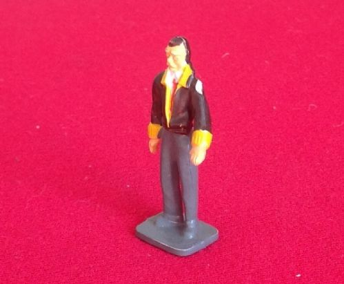 CORGI TOYS 1505 - Original - Garage Attendants Standing Man with leather jacket